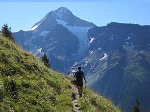 chalet wachsmuth freizeittipp wandern Blick Bietschhorn